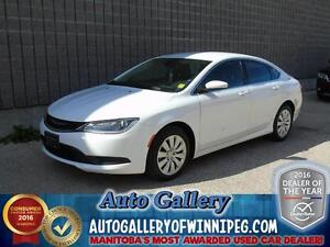 2015 Chrysler 200 LX *Super Low Kms!