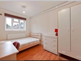 Double bedroom with Ensuite in shared 4 bedroom House in Canary Wharf