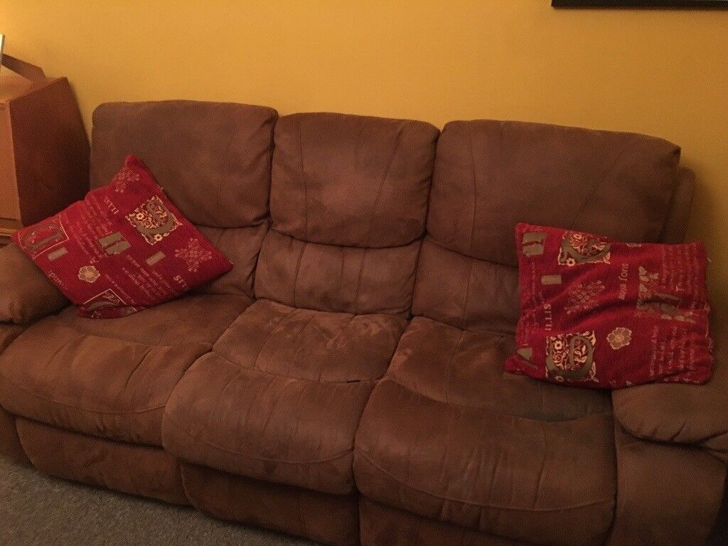 Two 3 settie harveys sofas with leg extensions