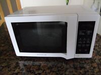 Daewoo 800W Microwave in White