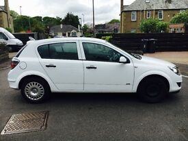 59 plate white Vauxhall Astra for sale £1600