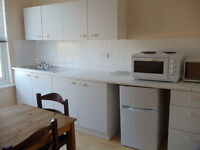 A BARGAIN MODERN BRIGHT LARGE STUDIO FLAT SEPARATE KITCHEN AND BATHROOM BILLS INCLUDED