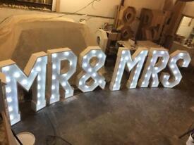 Giant 4ft Cabochon Mr & Mrs Sign