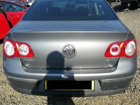 VW Passat 2005 Grey - For parts only!