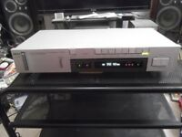 AKAI AT-S210/L - AM/FM digital tuner with Long Wave and 10 presets