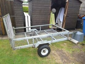 quad trailer in good condition can be used for carrying gardening equipment etc