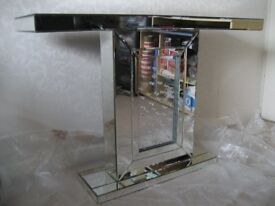 FLOATING CRYSTAL MIRRORED CONSOLE TABLE – BRAND NEW – RRP £399