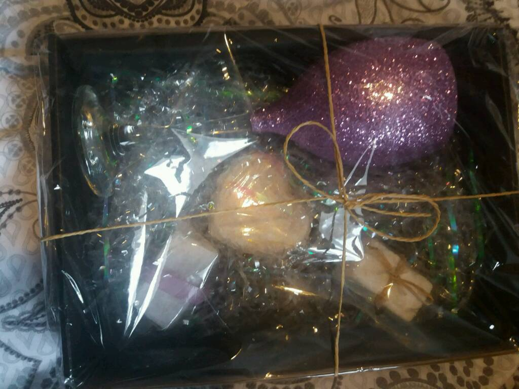 Beautiful Bathrooms Facebook Nuneaton glitter glass and bath bomb gift boxes | in nuneaton, warwickshire