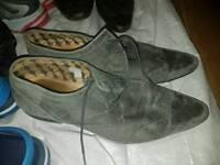 Men's shoes, size 10, grey