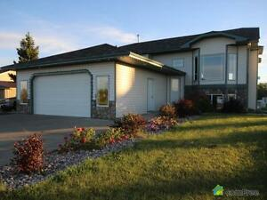 $569,000 - Bi-Level for sale in Parkland County