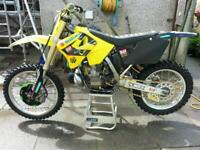 Suzuki rm 250 scrambler not for faint harted
