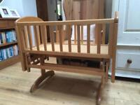 Gliding Crib in good condition. With like new mattress. Sheets included. All John Lewis.