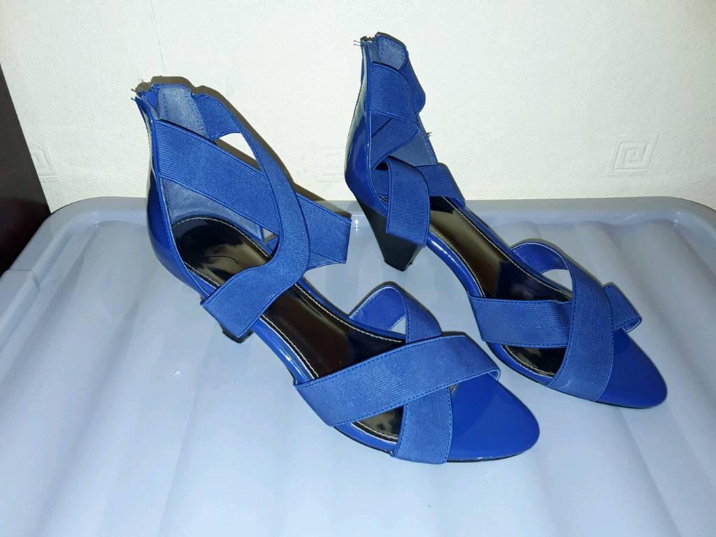 Ladies shoes size 8