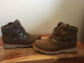 Clarks infant boys gore-tex leather boots 10 1/2 G