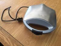 Breville toasted sandwich maker (new)