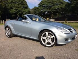 Mercedes SLK 350 - CHEAP TAX - LOW MILEAGE - MASSIVE SPEC - Convertible - Only 55K miles with FSH