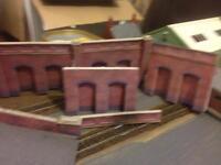 Metcalfe 00 red brick walls and ramp