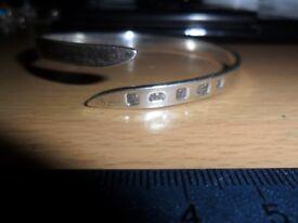 vintage hallmarked solid silver bangle
