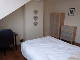 Large Double Room to Let Bright and Modern, in a 4 Bed House £300 PCM