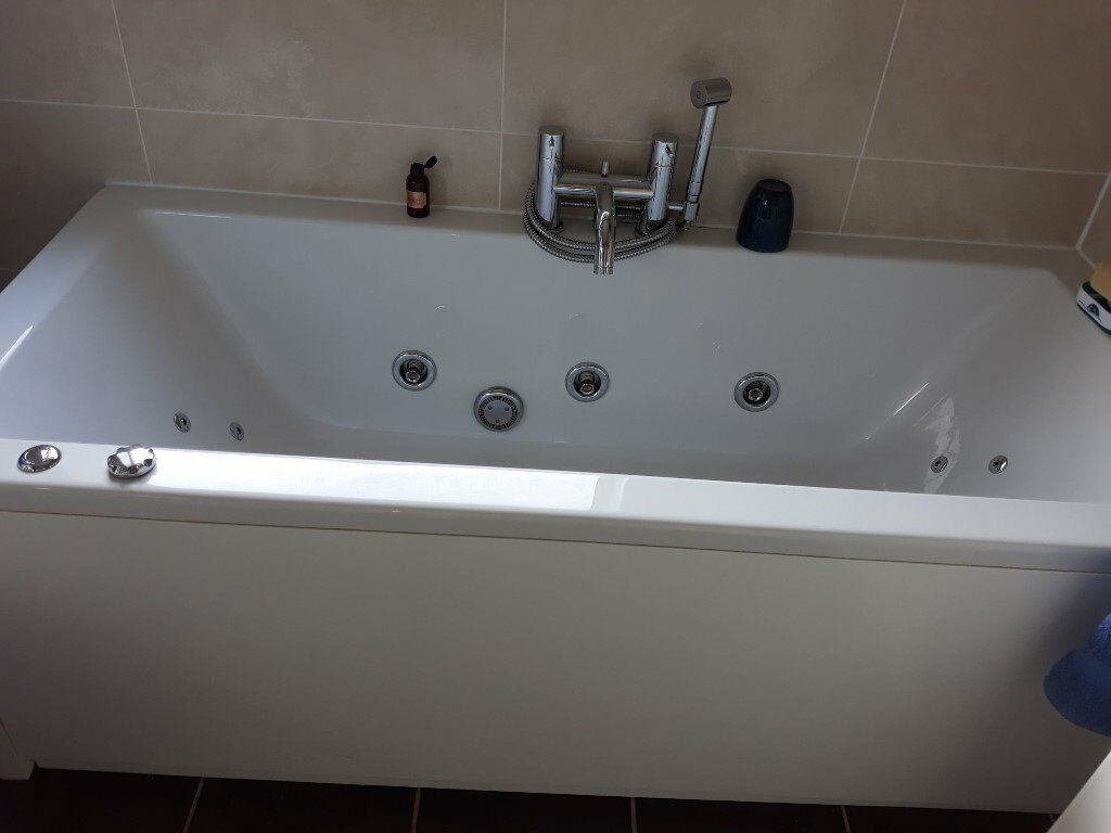 Jacuzzi bath clean and in good working order. | in Loughborough ...