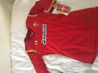 Wales rugby top ladies size 8 brand new