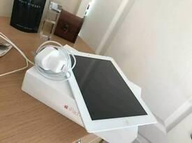 IPAD 4th Gen 32GB £180