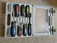 Box set of screwdrivers + tool for changeable hexagonal heads