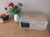 LIKE NEW Onkyo A-9010 Integrated Amplifier Amp with phono stage