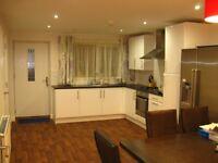 Single En suit room to let in modern HOUSE FALLOWFIELD, All Bills Included