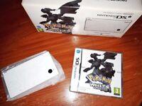 Pokemon White Nintendo DSi (Reshiram & Zekrom Edition) European Version