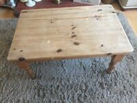 Farmhouse solid pine shabby chic style coffee table project must go!