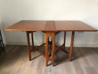 Collapsable Wooden Dinning Table
