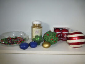 """4 Large Christmas candles, 8"""" glass bowl with glass beads and 4 floating candles, Jar of gold sand"""