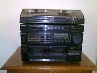 Hitachi Stereo/Radio/Twin Cassette player with speakers