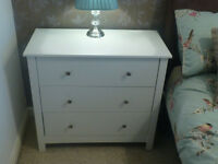 BEAUTIFUL SET OF 2 WIDE WHITE 3 DRAWER CHEST OF DRAWERS * IMMACULATE LIKE NEW * COLLECT FROM KIRKBY