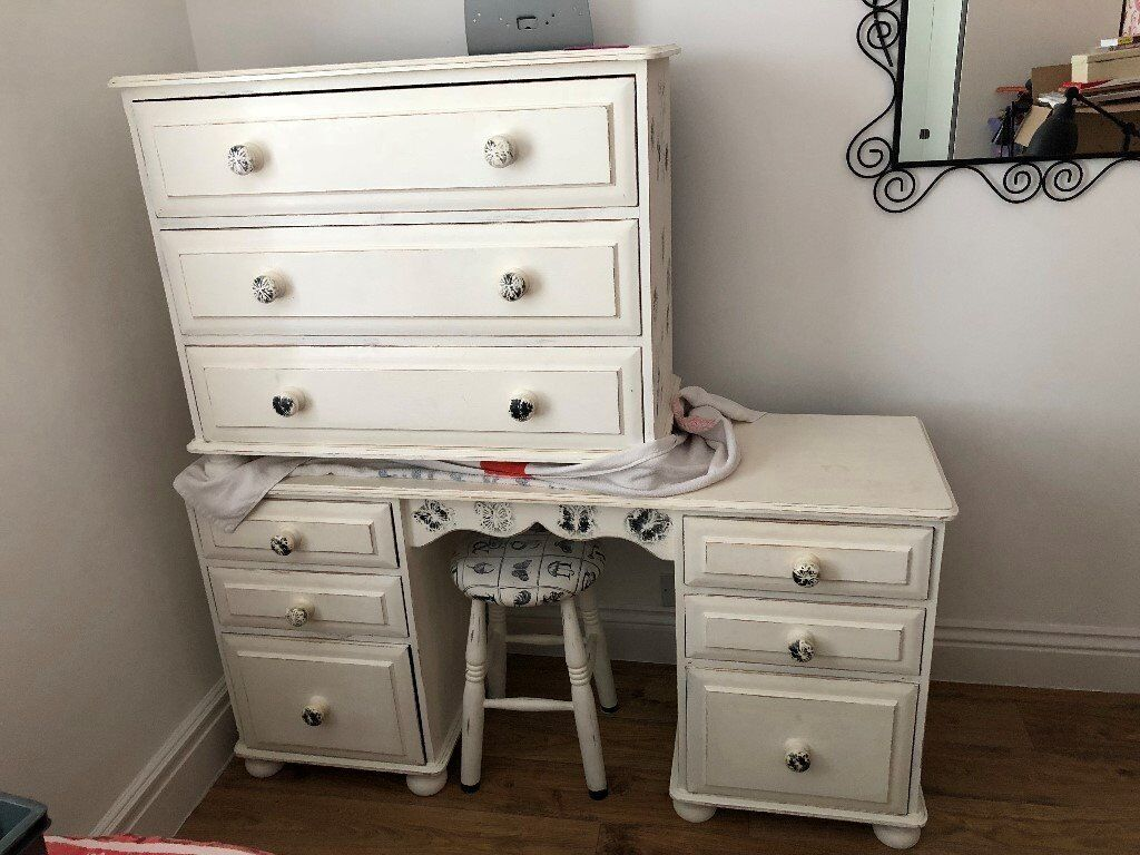 Chabby chic distressed 5 piece used bedroom furniture set
