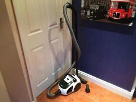 Excellent Russell Hobbs Bagless Vacuum Cleaner Hoover!