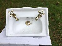 Pretty little cloakroom sink.