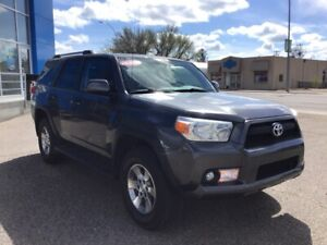 2011 Toyota 4Runner SR5 V6 Leather! Sunroof! Heated Seats!
