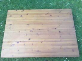 Pine table seats 4