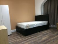 BRAND NEW SPACIOUS EN-SUITE ROOM WITH KITCHENETTE - IN ILFORD INSTANT MOVE IN