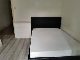 En-suite Double Rooms in 3 Bed Flat in Roman Rd E3