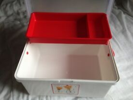Baby box in very good condition - store all baby's bath things in one place.