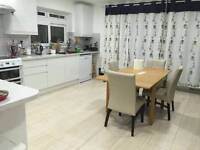 Must see- large double ensuite loft available - Finchley N12 - Bills incl
