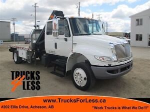 2009 International 4400, HIAB PICKER + 14 Ft DECK!!!