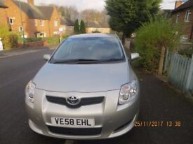 Toyota Auris 1.6 Automatic gear