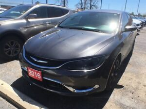 2016 Chrysler 200 C**LEATHER**NAVIGATION**SUNROOF**BLUETOOTH**