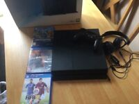 Ps4 500gb 3 games 1 controller and head set