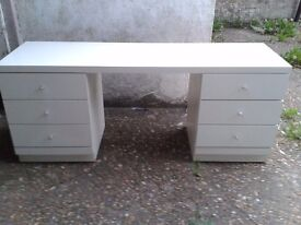 Dressing table - DELIVERY AVAILABLE