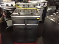 TWIN FRYER CATERING COMMERCIAL FAST FOOD KITCHEN SHOP BAR KITCHEN